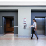 Интересует система доступа в лифте (в кабине лифта доступ к кнопкам этажей осуществляется по карте)